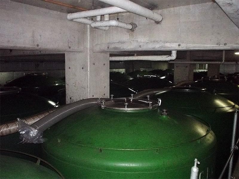 八木酒造部 貯蔵風景