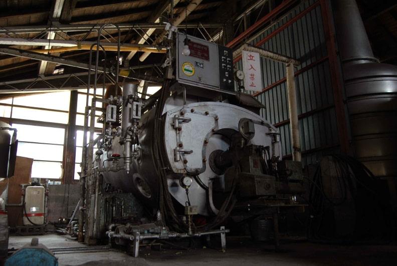 松下醸造場 炉筒煙管のボイラー