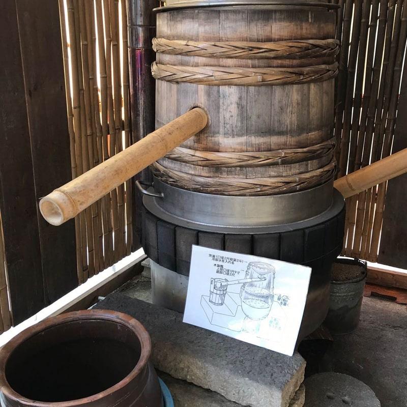 「球磨焼酎蔵めぐり」と「日本遺産人吉・球磨満喫」ツアー 「大和一酒造元」蔵見学 兜釜