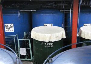 六調子酒造 貯蔵風景