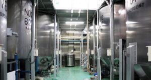 渡辺酒造店 発酵タンク群