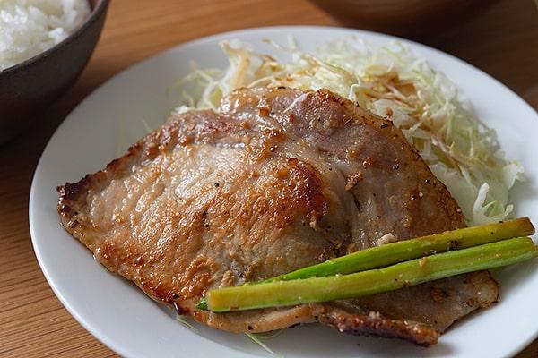 豚肉の塩麹焼き